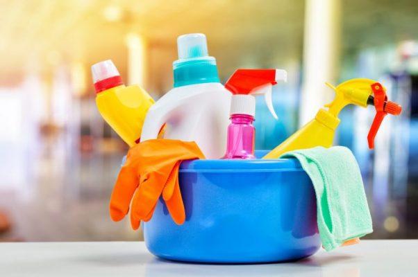 produtos de limpeza convencionais